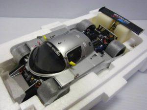 ミニカー exoto-エグゾト 1-18 Sauber Mercedes C9 -03