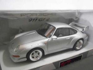 ミニカー UTモデルス 1-18 ポルシェ 911 GT2 ストリート 1997-02