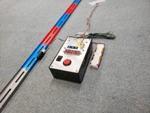 チョロQ学園 赤羽オフ ゼロヨン コース脇のスピード測定器-01