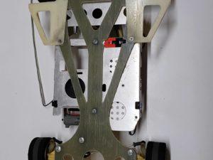 RC ラジコン タミヤ 1/10 JPS ロータス79 競技用スペシャル のシャシ、メカ部分の拡大撮影-13