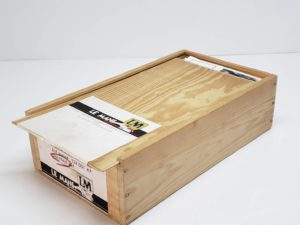 LeMans 1/24 Mazda 787B レジンキット マツダ ルマンの木製収納箱-04