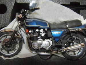 WIT'S マイルストーン 1-12 KAWASAKI KZ1000Mk.II ルミナスネイビーブルー ブルーメタリック ゴールドライン-03