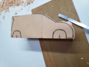 マニアモデルファイル 愛車 旧規格 HA21S/HB11S スズキ アルトワークス の自作 ミニカー 模型作り-右側面から車体の削り-02