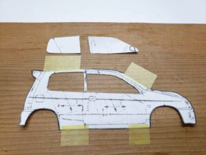 マニアモデルファイル 愛車 旧規格 HA21S/HB11S スズキ アルトワークス の自作 ミニカー 模型作り-ルーフ 右側面 型紙合わせ-02