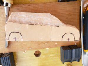 リヤ上部と右側面上部の深彫り -04
