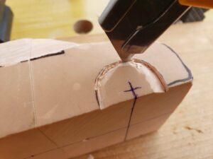マニアモデルファイル 愛車 旧規格 HA21S/HB11S スズキ アルトワークス の自作 ミニカー 模型作り - 右側ホイールアーチを削る風景 - 01
