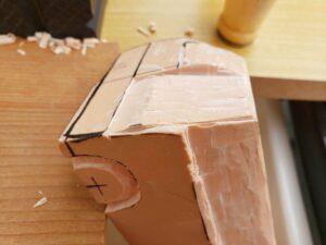 リヤ上部と右側面上部の深彫り -05