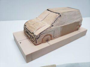 マニアモデルファイル 愛車 旧規格 HA21S/HB11S スズキ アルトワークス の自作 ミニカー 模型作り - ボンネット、左側面の彫り途中 -03