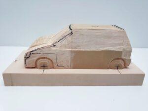 マニアモデルファイル 愛車 旧規格 HA21S/HB11S スズキ アルトワークス の自作 ミニカー 模型作り - ボンネット、左側面の彫り途中 -04