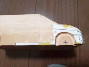 マニアモデルファイル 愛車 旧規格 HA21S/HB11S スズキ アルトワークス の自作 ミニカー 模型作り -右側フェンダーに型紙当ての図- 01