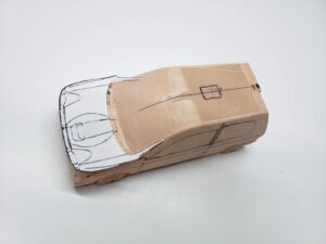 マニアモデルファイル 愛車 旧規格 HA21SHB11S スズキ アルトワークス の自作 ミニカー 模型作り -ボンネットダクトのわきの削りとケガキ (1)