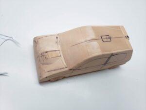 マニアモデルファイル 愛車 旧規格 HA21SHB11S スズキ アルトワークス の自作 ミニカー 模型作り -ボンネットダクトのわきの削りとケガキ (2)