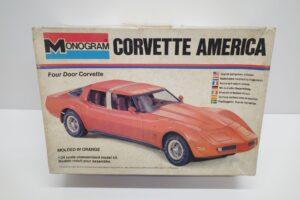 プラモデル モノグラム 1-24 Monogram 2269 シボレー コルベット アメリカ Chevrolet Corvette America 4ドア (1)