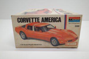 プラモデル モノグラム 1-24 Monogram 2269 シボレー コルベット アメリカ Chevrolet Corvette America 4ドア (3)