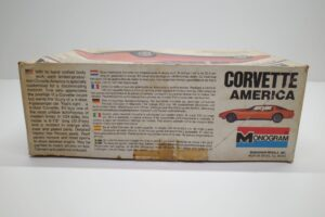 プラモデル モノグラム 1-24 Monogram 2269 シボレー コルベット アメリカ Chevrolet Corvette America 4ドア (4)