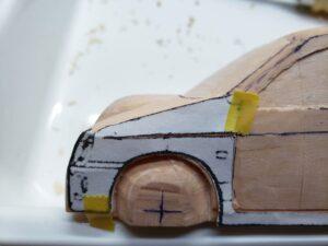 マニアモデルファイル 愛車 旧規格 HA21SHB11S スズキ アルトワークス の自作 ミニカー 模型作り -左側のボンネット上部とフェンダーの型紙あて (2)