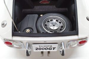 デアゴスティーニ トヨタ 2000GT 1-10 組立済み 完成品 全65号 セット の模型の拡大撮影 (12)