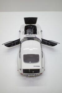 デアゴスティーニ トヨタ 2000GT 1-10 組立済み 完成品 全65号 セット の模型の拡大撮影 (14)