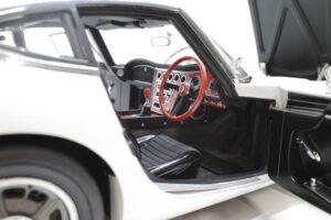 デアゴスティーニ トヨタ 2000GT 1-10 組立済み 完成品 全65号 セット の模型の拡大撮影 (31)