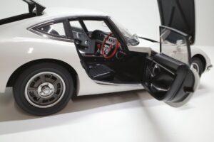 デアゴスティーニ トヨタ 2000GT 1-10 組立済み 完成品 全65号 セット の模型の拡大撮影 (32)