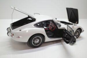 デアゴスティーニ トヨタ 2000GT 1-10 組立済み 完成品 全65号 セット の模型の拡大撮影 (33)