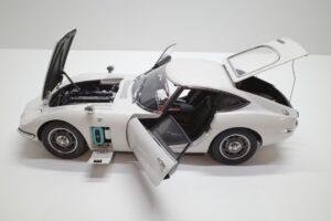デアゴスティーニ トヨタ 2000GT 1-10 組立済み 完成品 全65号 セット の模型の拡大撮影 (38)