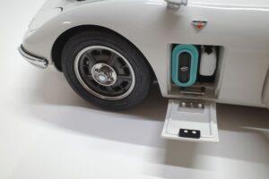 デアゴスティーニ トヨタ 2000GT 1-10 組立済み 完成品 全65号 セット の模型の拡大撮影 (40)