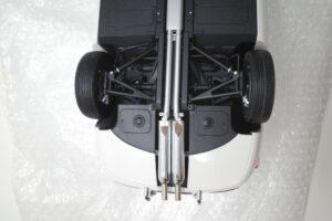 デアゴスティーニ トヨタ 2000GT 1-10 組立済み 完成品 全65号 セット の模型の拡大撮影 (46)