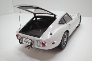 デアゴスティーニ トヨタ 2000GT 1-10 組立済み 完成品 全65号 セット の模型の拡大撮影 (7)