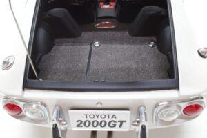 デアゴスティーニ トヨタ 2000GT 1-10 組立済み 完成品 全65号 セット の模型の拡大撮影 (8)