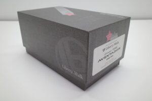 ミニカー FuelMe 1-43 LB LibartyWalk ランボルギーニ アヴェンタドール コンバットグレイ の外箱確認風景 (3)