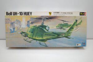 プラモデル ヘリコプター -Revell 1-32 レベル UH-1D HUEY ヒューイ U.Sの外箱 (1)