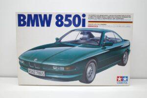 タミヤ レベル Revell 1-24 BMW 850i 絶版品 E31型 エンジン付 フルディスプレイモデル- (1)