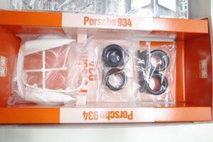 タミヤ 1-12 Porsche ポルシェ 934 イェーガーマイスター (エッチングパーツ付き)- (1 (17)