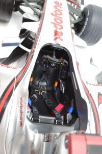 デアゴスティーニ 18 マクラーレン MP4-23 McLaren アクリルケース 付- (85)