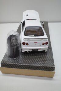 ホットワークス 1-24 日産 スカイライン GT-R V-スペックII 2002 BNR34 ニスモ R-S-tune 白- (23)