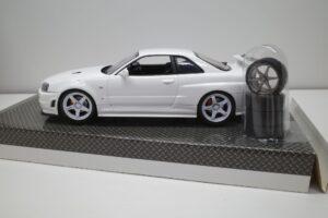 ホットワークス 1-24 日産 スカイライン GT-R V-スペックII 2002 BNR34 ニスモ R-S-tune 白- (28)