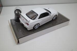 ホットワークス 1-24 日産 スカイライン GT-R V-スペックII 2002 BNR34 ニスモ R-S-tune 白- (31)
