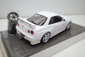 ホットワークス 1-24 日産 スカイライン GT-R V-スペックII 2002 BNR34 ニスモ R-S-tune 白- (32)