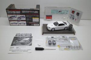 ホットワークス 1-24 日産 スカイライン GT-R V-スペックII 2002 BNR34 ニスモ R-S-tune 白- (33)