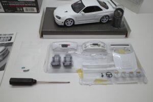 ホットワークス 1-24 日産 スカイライン GT-R V-スペックII 2002 BNR34 ニスモ R-S-tune 白- (34)