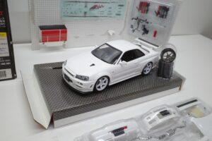 ホットワークス 1-24 日産 スカイライン GT-R V-スペックII 2002 BNR34 ニスモ R-S-tune 白- (36)